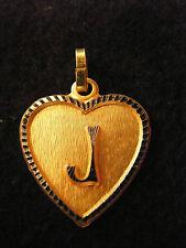 Pendentif Coeur Médaillon en Or Plaqué Lettre J 2 cm