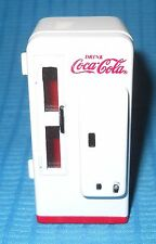 Coca Cola/Coke Machine-Cavalier C 72 Style Die Cast-1/25-Model Car Swap Meet