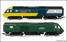 HORNBY R3770 GWR, Class 43 HST, Power Cars 43002 and 43198 - Era 11 - OO Gauge