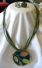 ENAMELED PENDANT PRETTY GREEN LEAF DESIGN & MATCHING CLIP ON EARRINGS GREAT GIFT