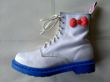 DOC DR MARTENS SANRIO HELLO KITTY WHITE LEATHER BLUE SOLES BOOTS RARE 6UK US:W8