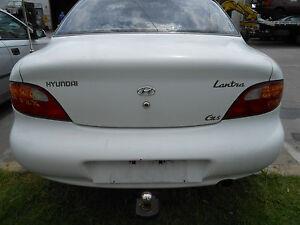 1997 Hyundai Lantra J2 Boot Lid S/N# V7076 BK3940