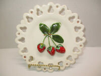 """Vintage 3D Decorative Reticulated Wall Art Plate 7-1/2"""" Diameter ~ Strawberries"""