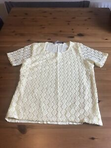 Isle Size S 10/12 Yellow T Shirt Top Crochet Look Front Stretch Short Sleeves