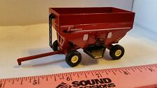 1/64 ERTL CUSTOM FARM TOY RED PARKER GRAVITY GRAIN WAGON BRENT UNVERFERTH NICE