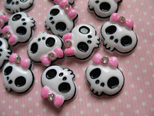 20 Princess Gothic Skull Resin Button/Pink bow