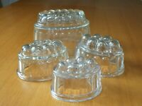 KITCHENALIA  Collectable Set of 4 Vintage glass blancmange jelly moulds