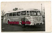 Orig Foto Mann posiert mit Autobus Büssing Harz Express Berlin nach Goslar 50er