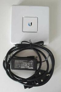 Ubiquiti Networks UniFi USG Security Gateway