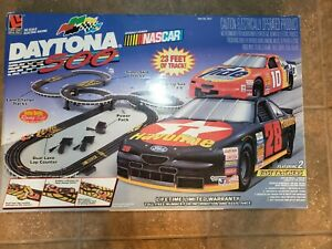 Life-Like Daytona 500 Nascar HO Scale, Track Set, 1997, Complete and tested!