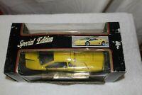 Maisto '1990 Yellow Lamborghini Diablo' Special Edition Scale 1:18