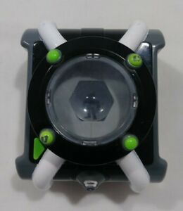 Ben 10 Deluxe Omnitrix Wrist Toy Lights Sounds Talking Tested Playmates CN 2017