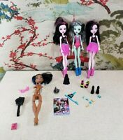 Lot of Monster High Dolls and accessories Draculaura Frankie stein