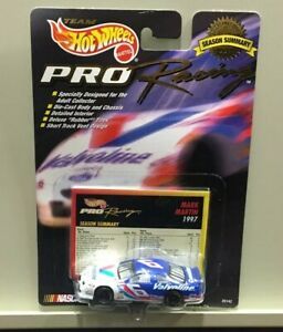Mark Martin 1/64 '97 Hot Wheels PRO Racing SEASON SUMMARY #6 Valvoline Ford