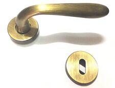 Maniglia economica per porte interne finitura bronzata con rosetta e bocchetta