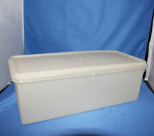 Tupperware Bread Keeper #606-7 Lid # 607-2