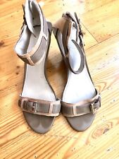 Marc Fisher Camron Leather Wedge Sandals Size 8M Gray