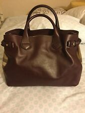 Burberry House Check Sartorial Medium Banner Tote in Deep Claret color