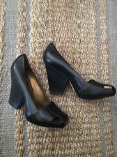 VINCE CAMUTO Imagine Black Leather Art Platform Heels Size 9 39 Peeptoe Shoes