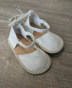 New Infant Girl's Old Navy White Eyelet Espadrille Crib Shoes 3-6 M 18-24 M 2 5