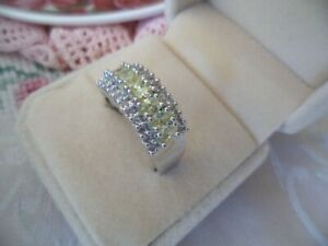 Vintage Jewellery White Gold Ring with Peridots Sapphires Antique Deco Jewelry