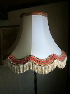 ABAT-JOUR Pagode Feston bas soie silk Lampadaire Lampe Lamp Shade Lampenschirm.