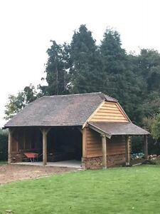 FREE FITTING GREEN OAK FRAMED GARAGE, GARDEN OFFICE CART  LODGE OAK FRONTED,