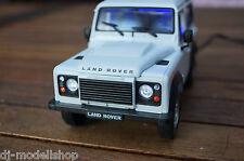 Range Rover Defender avec éclairage DEL (Xénon) en 1:24 Blanc Tuning WELLY