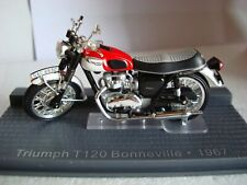Triumph T 120 Bonneville White Red 1967 Topmodel 1:24