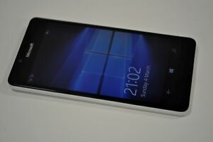 Microsoft Lumia 950 32GB Dual-SIM White Factory Unlocked 4G/LTE Simfree