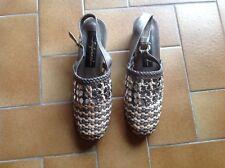 Chaussures  tressées Bronze et beige pointure 37