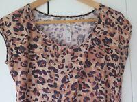 LORNA JANE Sz XS Leopard Print Casual Top