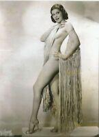 "USA  "" 5 x 7 Inch "" Photo <> . 1930`s   Pin Up Girl.."