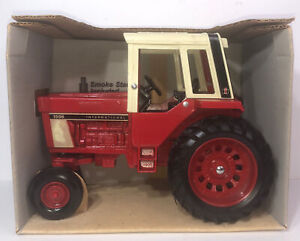 1970'S ERTL INTERNATIONAL DIE CAST #1586 TRACTOR WITH CAB #463