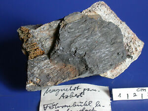 Historische Mineralien Oberpfalz/Bayern, Pseudomorphose Magnetit nach Chrysotil