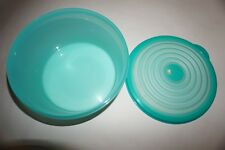 Tupperware Stuffables large bowl with seal 8 cup 1.9L Turkish teal color new