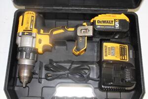 DeWALT DCD996 20V 1/2-Inch 3-Speed 5.0Ah Lithium-Ion Hammer-Drill Kit