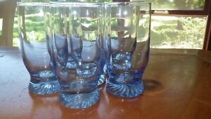 Blue Juice Glasses Coolers Drinking Glasses twisted foot bottom 6 6 oz EUC