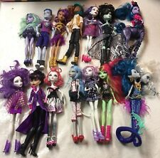 Monster high dolls lot of 14 used dolls w clothing and accesories12 girls 2 boys