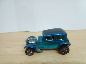 P358-HOT WHEELS REDLINE 1969 CLASSIC 32 FORD VICKY IN BLUE