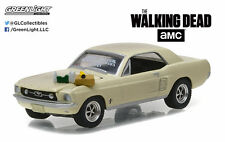 Greenlight 1:64 Hollywood 15 1967 Ford Mustang Coupe Walking Dead Sophia Message