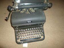 Vintage 1940's Royal Typewriter