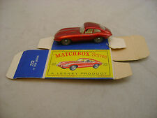 MATCHBOX LESNEY #32B-1 CLEAR WINDOWS E-TYPE JAGUAR XKE GPT WITH ORIGINAL BOX