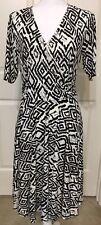Donna Morgan size 10 black white geometric short sleeve faux wrap dress women's