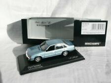 Voitures de tourisme miniatures bleus Opel