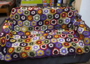 Purple Edges Hexagon Flower Pattern Multicolor Hand Crochet Woolen Blanket/Throw
