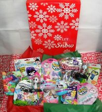 HOLIDAY GIFT BOX OVER 20+ RANDOM ITEMS TOYS BLIND BAGS MINI FIGURES PLEASE READ