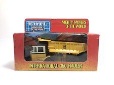 Ertl Miniatures Of The World International 350 Hauler  #1852 1/80 Scale