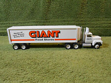 Giant Food Stores Carlisle, PA 1993 Winross Truck  No box