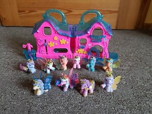 Filly Haus + 10 Filly Pferde